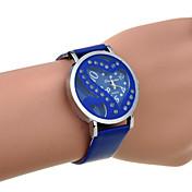 여성의 라인 스톤 더블 심장 우레탄 쿼츠 시계 (모듬 된 색상)를 도려