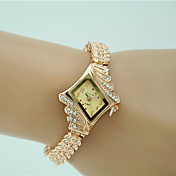 Mujer Reloj de Vestir Reloj de Moda Reloj Pulsera Cuarzo La imitación de diamante Aleación Banda Encanto Elegantes Dorado Dorado