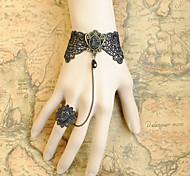 main dentelle noire rococo style gothique lolita bracelet bague