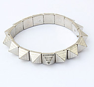 Vintage Alloy Triangle Rivet Connected Opening Bracelet(Assorted Colors)
