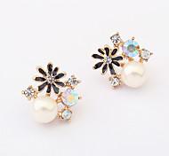 Pearl Small Flower Stud Earrings