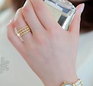 Z&X®  Fashion Fashion Hollow Out Rhinestone Love Ring