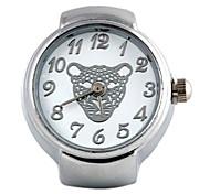 Women's Leopard Head Pattern Quartz Metallic Finger Watch