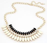 Fashion Metal Rhinestone Resin Necklace
