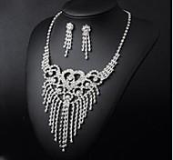 Hollow out Heart Shape Flowers Rhinestone  Jewelry Set (Necklaces&Earrings)(1 Set)