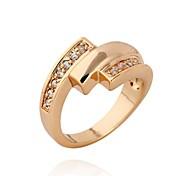 Frauen-Mode einzigartiges Design 18 Karat Gold Zirkon Ring
