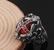 Мода из нержавеющей стали готический вампир крест инкрустированные циркон рубин кольца мужские (1 шт)