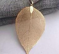 le mode de pendentif de feuille d'or