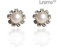 Lureme®Flower Shaped Pearl Earring with Rhinestone