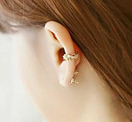 Tina -- Korean Fashion Alloy Ear Cuff in Party