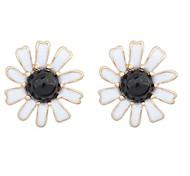 Pastoral Style Romantic Daisy Flower Stud Earrings