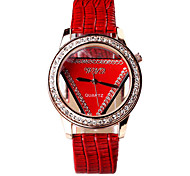 Women's Fashion Small Triangle Dial Designed Circular Dial Crocodile Grain PU Leather Strap Quartz Wrist Watches
