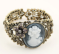 European Style Retro Fashion Lady Hollow Relief Vintage Alloy Bangle