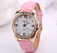 neue Mode Frauen kleiden Armbanduhrweinlese Quarz-analoge Uhr neuen Armband Quarz-Armbanduhr