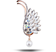 asas cheio de diamantes broche de pérolas