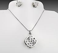 European and American fashion peach heart titanium steel square hollow silver CZ Earrings Necklace Set