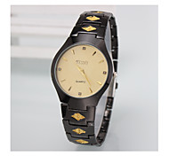 Fashion Yishi Stainless Steel Band Diamonds Decoration Black with Golden Round Face Men's Sports Man Wrist Watch