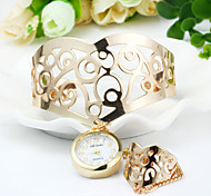 Women's Elegant Gold Bangle Quartz Watch Cool Watches Unique Watches