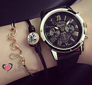 Женские Модные часы Часы-браслет Кварцевый PU Группа Черный Белый Зеленый Розовый