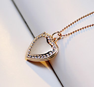 Personality Fashion Romantic Heart Shaped Crystal Necklace