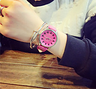 Women's Fashion Personality Quartz Alloy Leisure Watch(Assorted Colors)