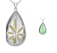 Fashion Neoteric Luminouss Water-Drop Zinc Alloy Silver Plated Pendant Necklace(Green,Blue, Purple)(1PC)