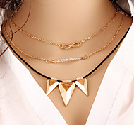 Necklace Pendant Necklaces Jewelry Wedding / Party / Daily / Casual Fashion Crystal / Alloy / Gold Plated / Nylon Gold 1pc Gift