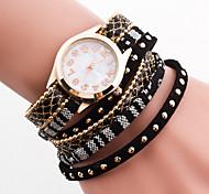 Women's Bohemian Style Crystal Leather with Rivet Band White Case Analog Quartz Bracelet Fashion Watch