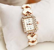 Damen Armbanduhr / Armband-Uhr Quartz Armbanduhren für den Alltag Legierung Band Glanz / Schmetterling Weiß Marke-