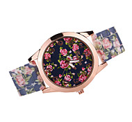 Damen Modeuhr Japanischer Quartz Armbanduhren für den Alltag Silikon Band Armbanduhr / Armband Schwarz / Weiß / Braun / Mehrfarbig