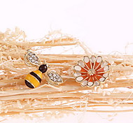 Women's Animal/Flower Golden  Alloy Clip-On Clip Earrings