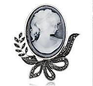 Women's Fashion Retro Alloy/Rhinestone Flower Brooches Pin Party/Daily Scarf Clips Jewelry Accessory 1pc