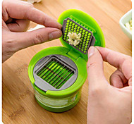Multifunction Plastic Garlic Press Presser Crusher Slicer Grater Dicing Slicing and Storage Kitchen Vegetable Tool