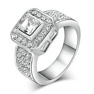 klasszikus női világos szimulált gyémánt jegygyűrű