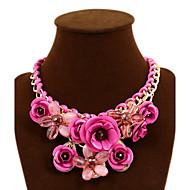 Naisten Statement kaulakorut Flower Shape Rose Gemstone Metalliseos Statement Korut Eurooppalainen Muoti Punainen Vihreä Sininen Pinkki