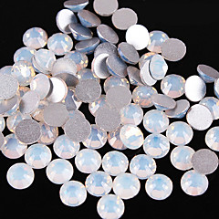 50PCS 2mm Bericht Opal Rhinestone Nail Art interieurstickers
