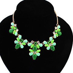 European Style Resin Flower Statement Necklace