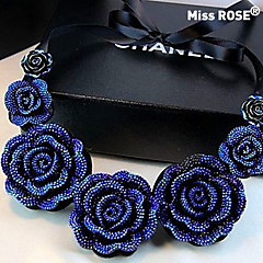Miss ROSE® European and American Vintage Blue Rose Resin Necklace