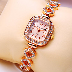 Women's New Luxury Trend Square Diamond Dial Diamond Flower Shape Strap Fashion Quartz Bracelet Watch (Assorted Colors)