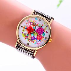 Ms. Flourishing Pattern Bracelet Watch 2016
