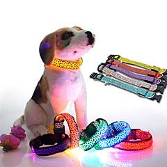 Macskák / Kutyák Nyakláncok Piros / Narancssárga / Sárga / Zöld / Kék / Fehér / Rózsaszín Kutyaruházat Nyár / Tavasz/Ősz Matt fekete LED