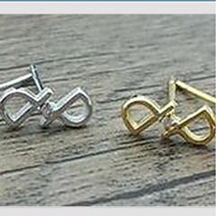 Divat Ezüst Alphabet Shape Ezüst Aranyozott Ékszerek Mert Napi Hétköznapi 1 pár