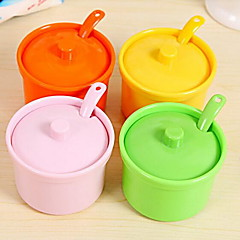 Home Kitchen Condiment Box Seasoning Cans with Lid and Spoon (Random Color)