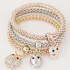Dame Charm-armbånd minimalistisk stil Mode Flerlags luksus smykker Europæisk Rhinsten Imitation Diamond Legering Ugle Regnbue Smykker For