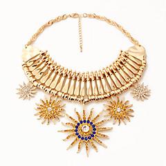 Női Nyaklánc medálok Ékszerek Flower Shape Ékszerek Napraforgó Hamis gyémánt Ötvözet Egyedi Függő Divat Euramerican luxus ékszer Európai