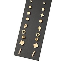 Pentru femei Cercei Stud Design Unic Geometric costum de bijuterii Aliaj Bijuterii Pentru Petrecere Zilnic Casual