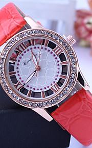 kvinders diamante runde hule ud dial pu band quartz analog afslappet ur