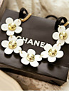 Korean Charming Plastic Five Daisy Flower Chain Clavicle Necklace